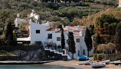 Se balader à Cadaqués (extrait de «La vie cachée de MinaM»)